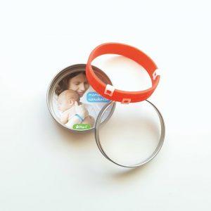 mamina narukvica crvena vrijeme hranjenja bebe
